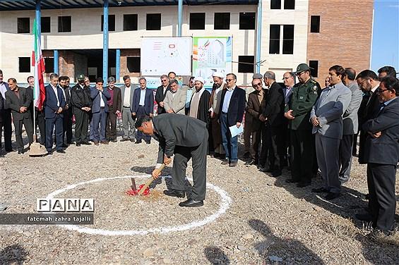 مراسم کلنگ زنی یادمان شهدای فرهنگی و دانش آموزی استان سمنان برگزار شد