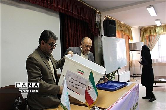 برگزاری انتخابات نهمین دوره مجلس دانش آموزی استان کرمانشاه