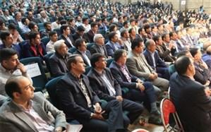 استاندار یزد:  افتخار آفرینی دانش آموزان یزدی مرهون پشتکار و تلاش آنهاست