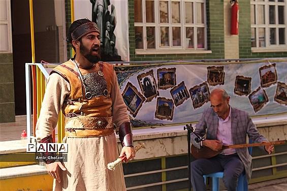 اولین شب شعر و موسیقی در چهاردانگه