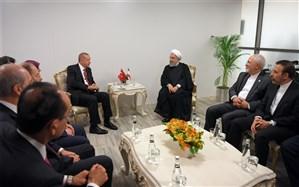 مصاحفه روحانی و اردوغان در دیدار خصوصی
