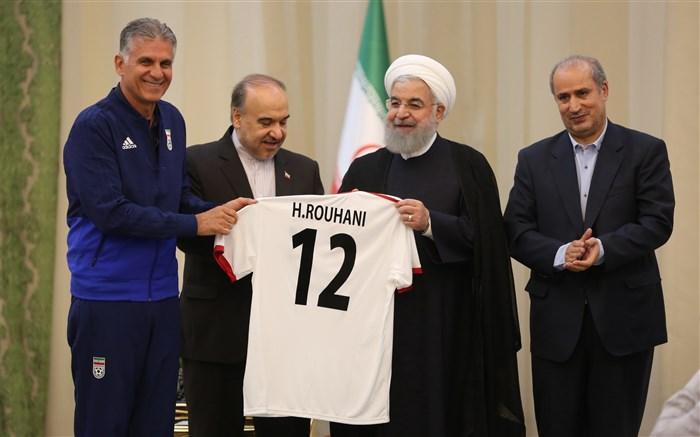 رئیس جمهور خطاب به بازیکنان تیم ملی فوتبال: در عید فطر و اولین بازی، عیدی مضاعفی به ملت ایران بدهید